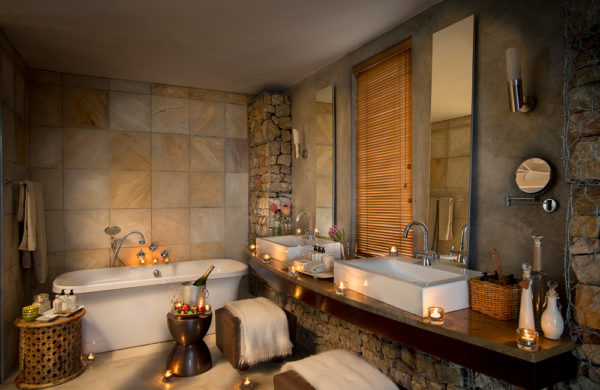 Kwandawe Ecca Lodge - Bathroom