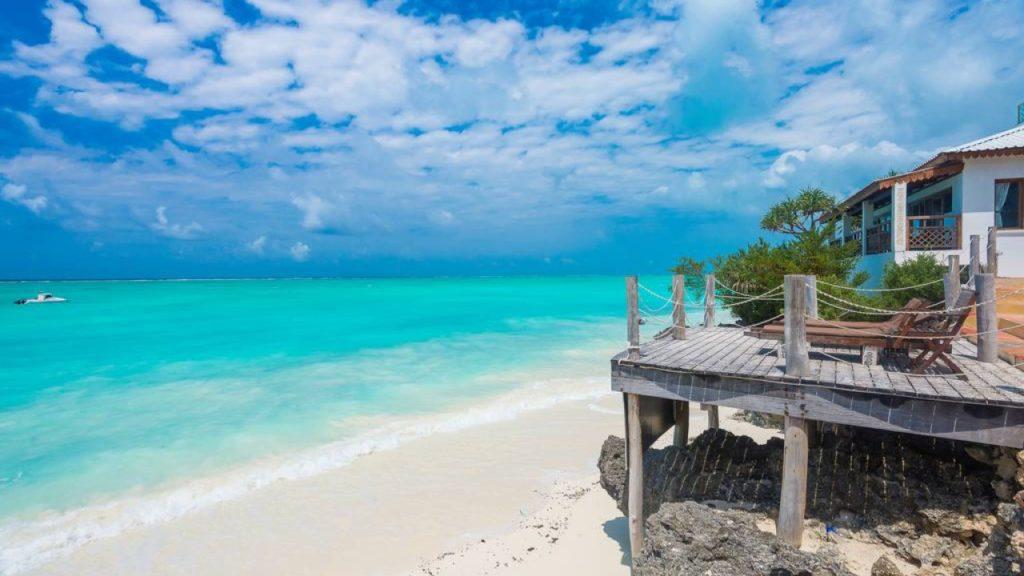CM Travels | Warere Beach Hotel