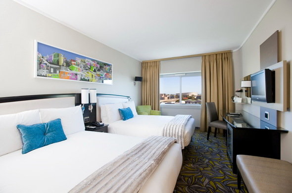 CM Travels | southern sun waterfront interior bedroom